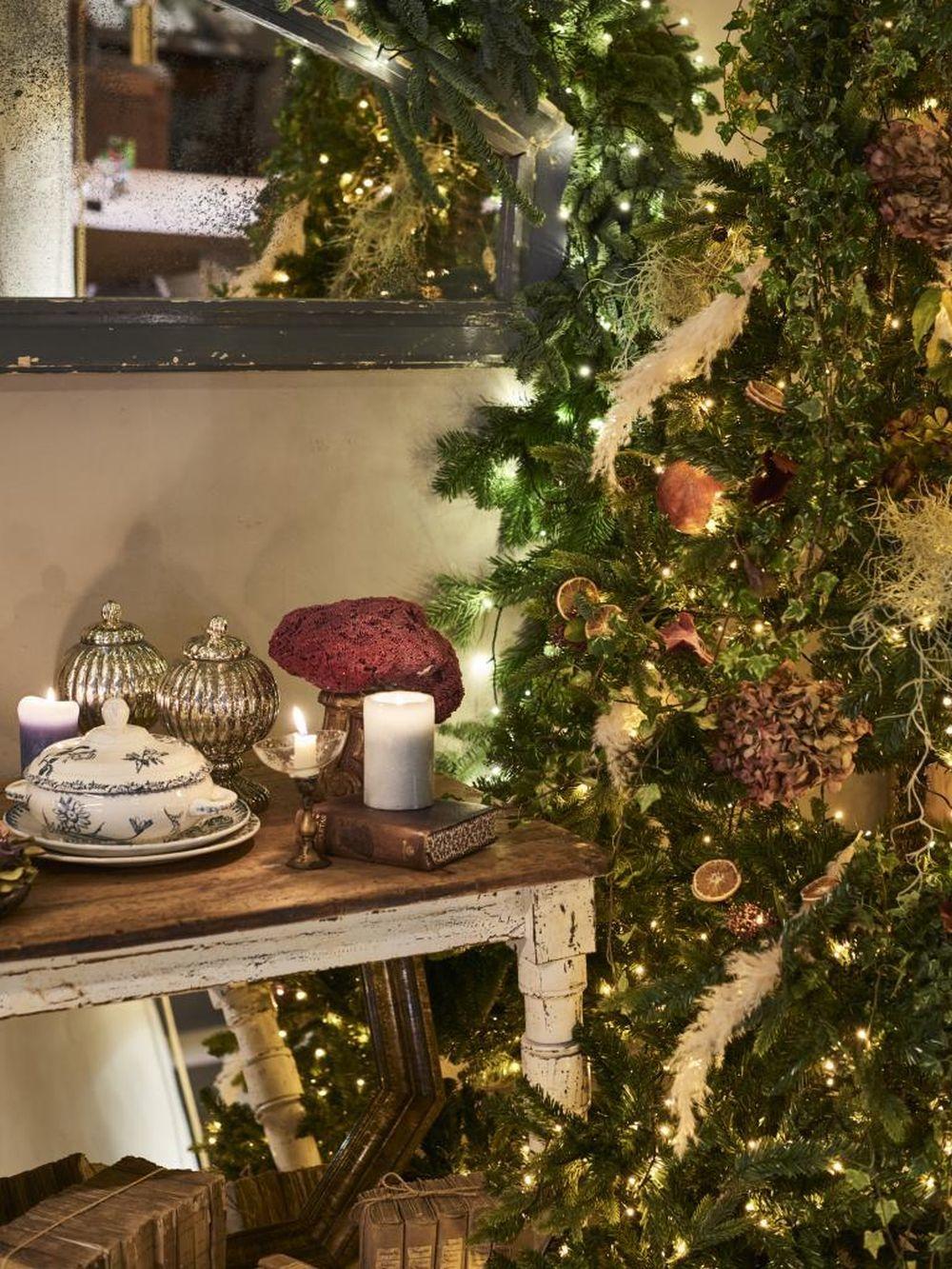 El árbol de Navidad, elaborado por BÚCARO con la creatividad de RENT...