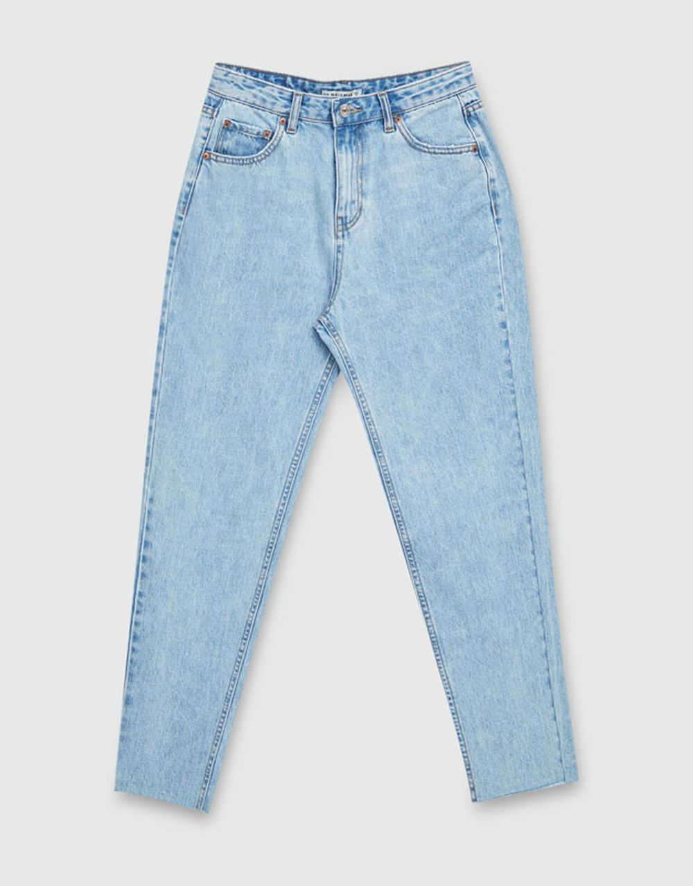 Jeans mom fit Pull&Bear (25,99 euros)
