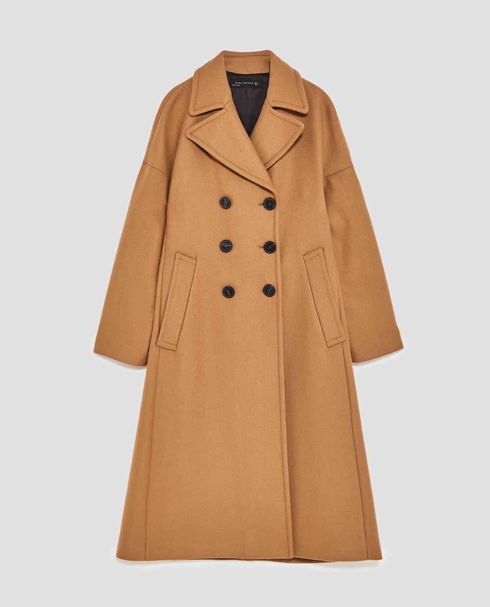 Abrigo largo oversize de Zara (109 euros)