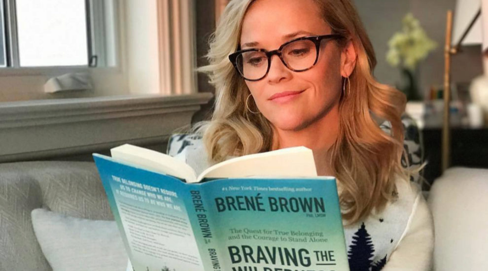 La actriz Reese Witherspoon suele compartir sus lecturas en su cuenta...