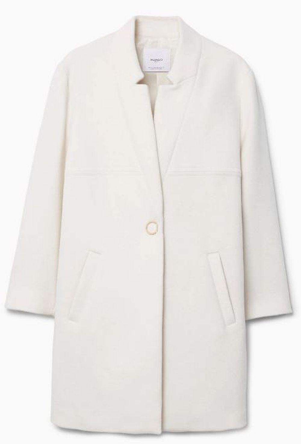 Abrigo blanco de Mango (79,99 euros)