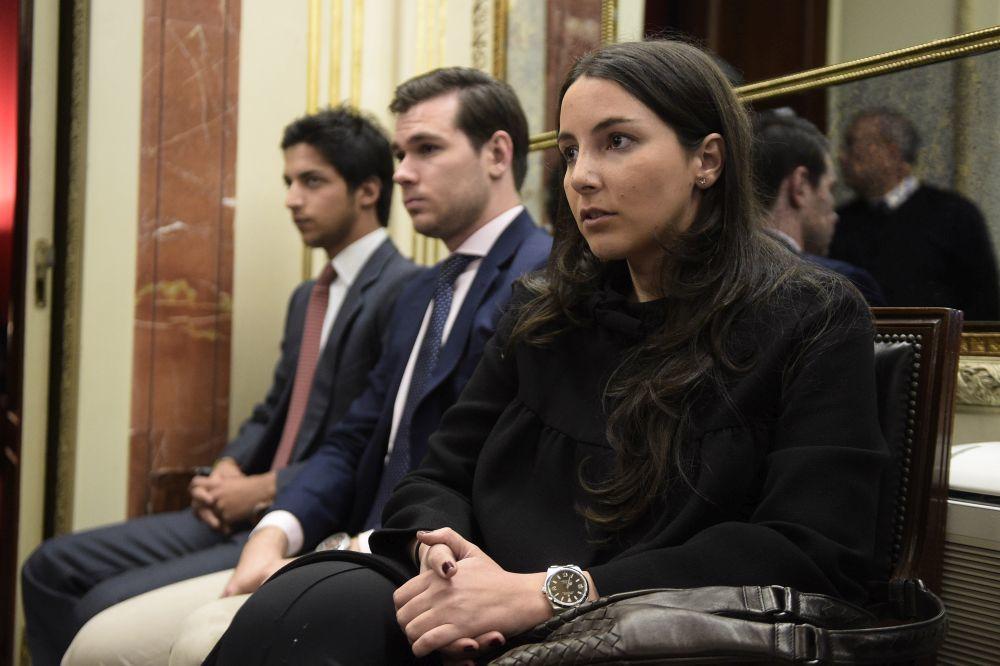 Alejandra y Fernando Romero Suárez durante un homenaje a Adolfo...