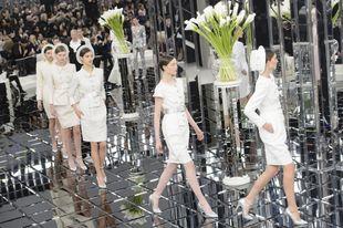 Desfile de Chanel Alta Costura Primavera Verano 2017.