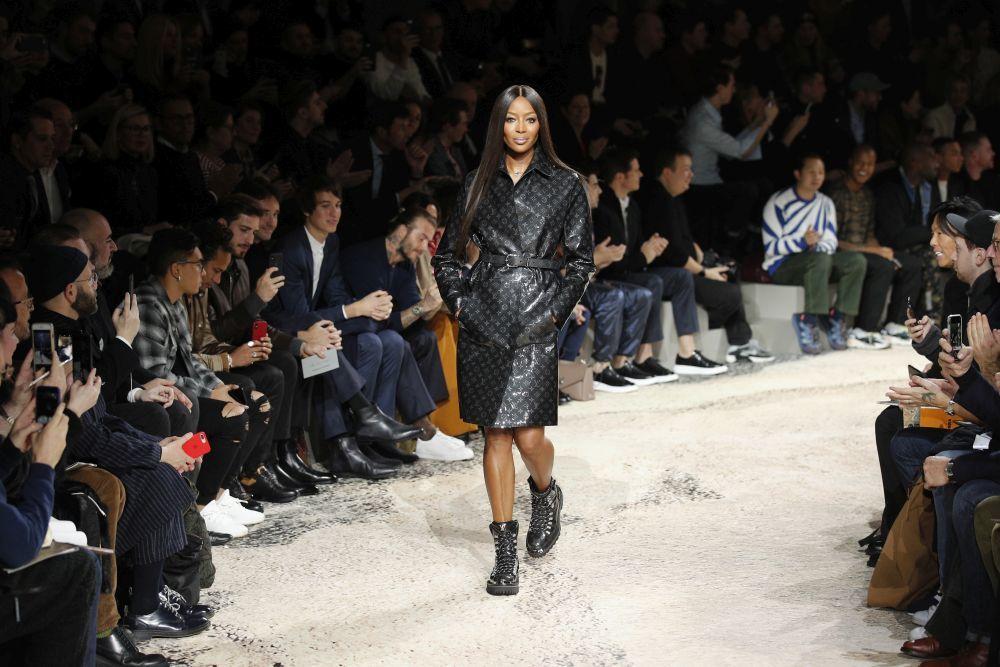 Naomi Campbell durante el desfile masculino de Louis Vuitton...