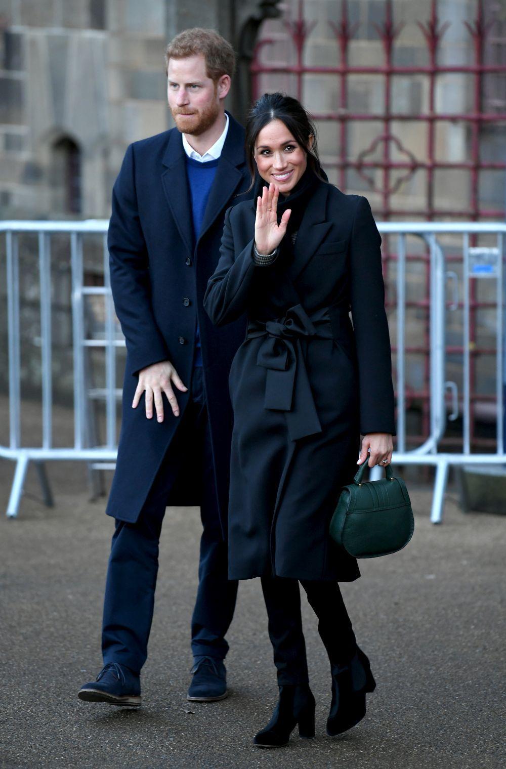 La prometida de Harry con espectacular abrigo de Stella McCartney.