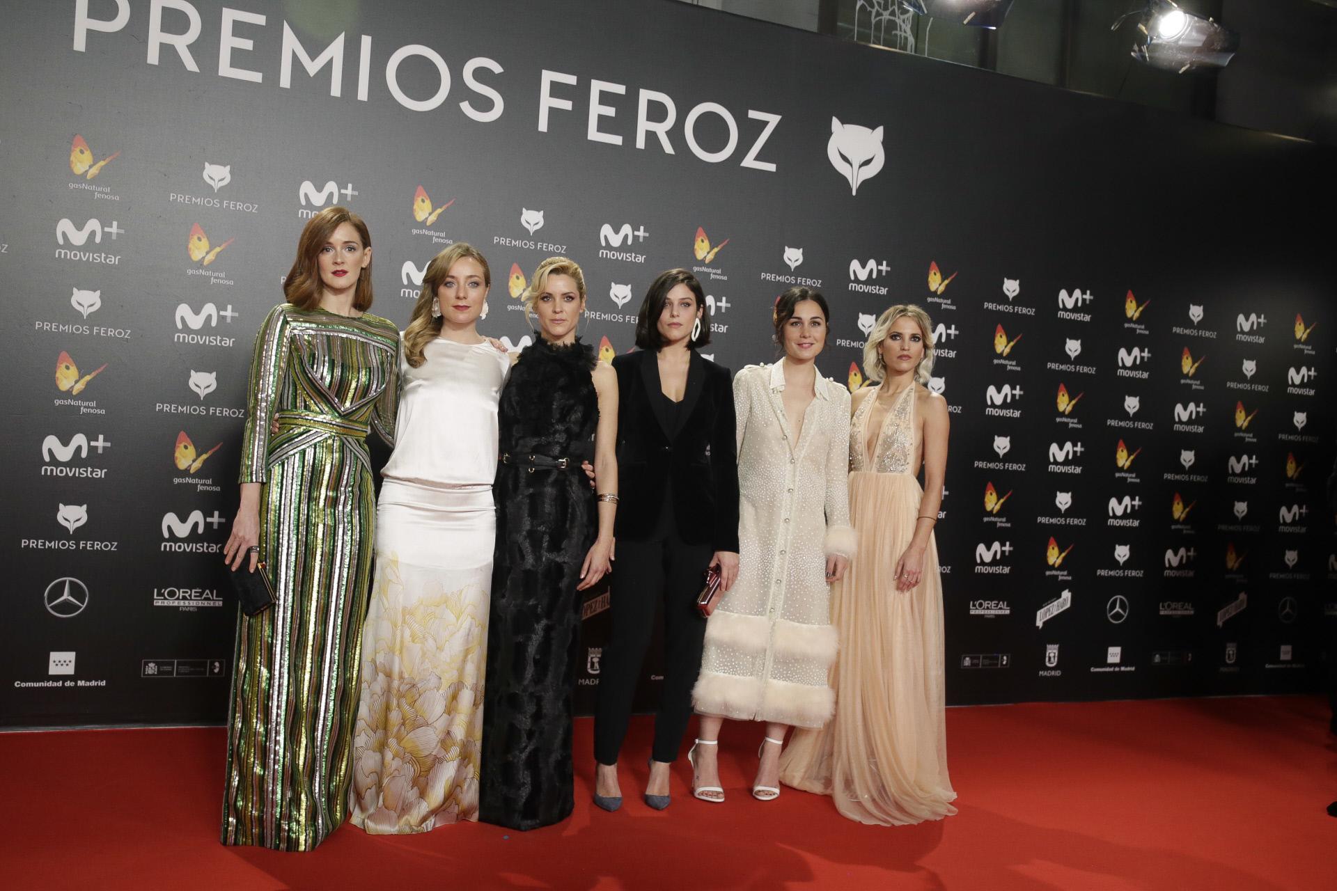 Las actrices protagonistas de La chicas del cable durante los Premios...
