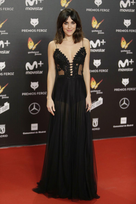 La protagonista de La llamada deslumbró con un vestido negro de...