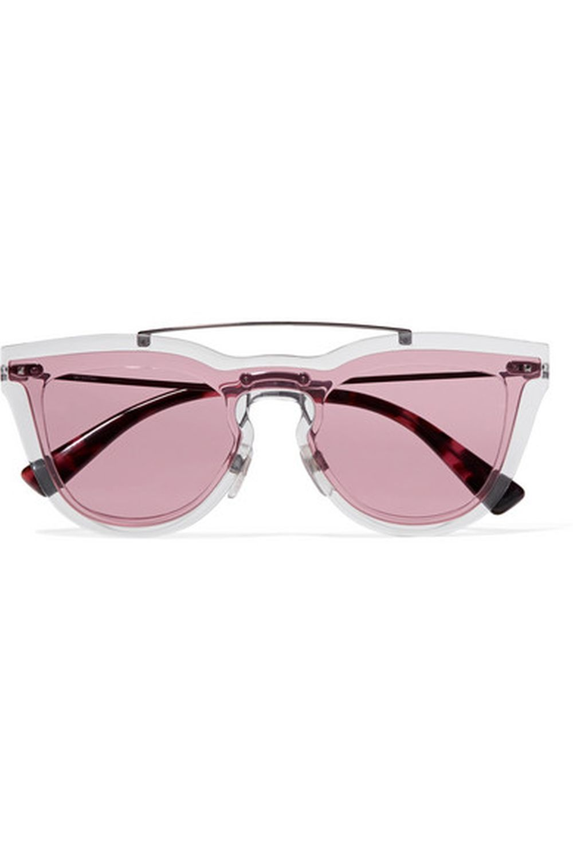 Gafas ojo de gato de VALENTINO (275 euros)