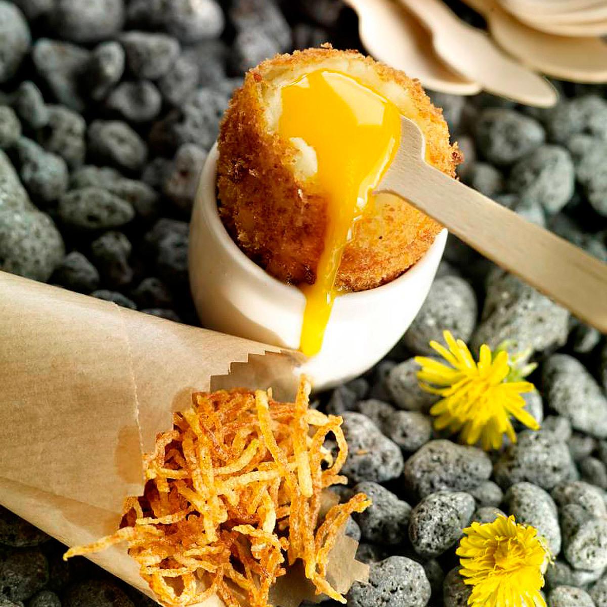 Croquetas de jamón y yema de huevo