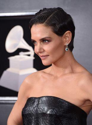 La actriz nos ha sorprendido con su corte de pelo pixie, engominado y...
