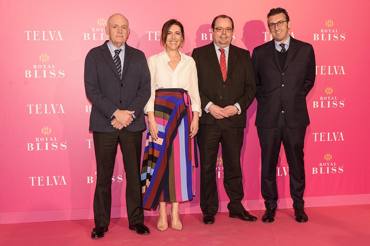 Olga Ruiz, directora de TELVA, junto a Jesús Zaballa, director...