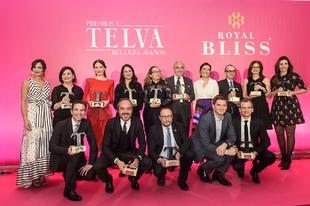 Foto de familia de los ganadores de los Premios TELVA Belleza 2018.