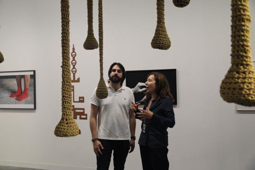 El coleccionista Guillermo Penso con la galerista Elba Benitez...