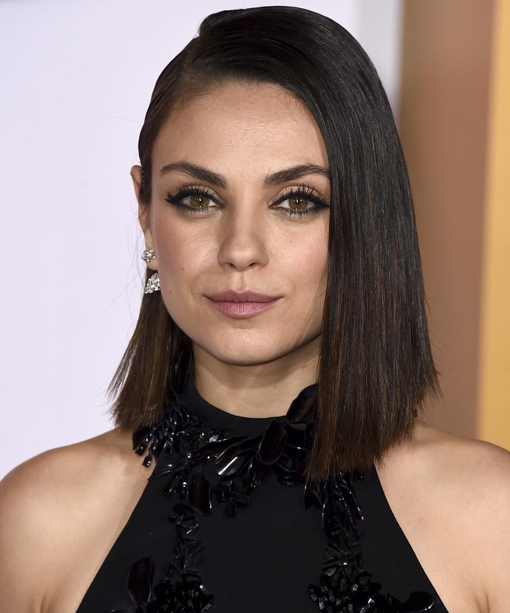 Mila Kunis, otra de las actrices que se ha apuntado al 'mom cut'...