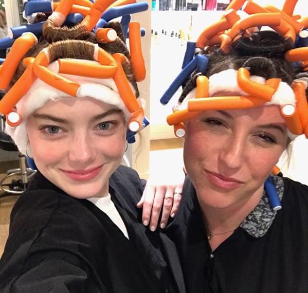 Emma Stono junto a su amiga Rachel Goodwin.