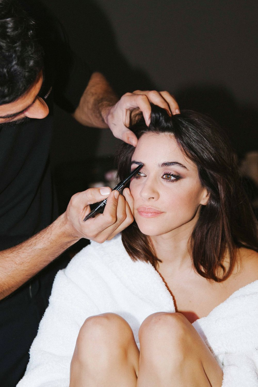 Macarena García junto al maquillador Iván Gómez, make up artist de...