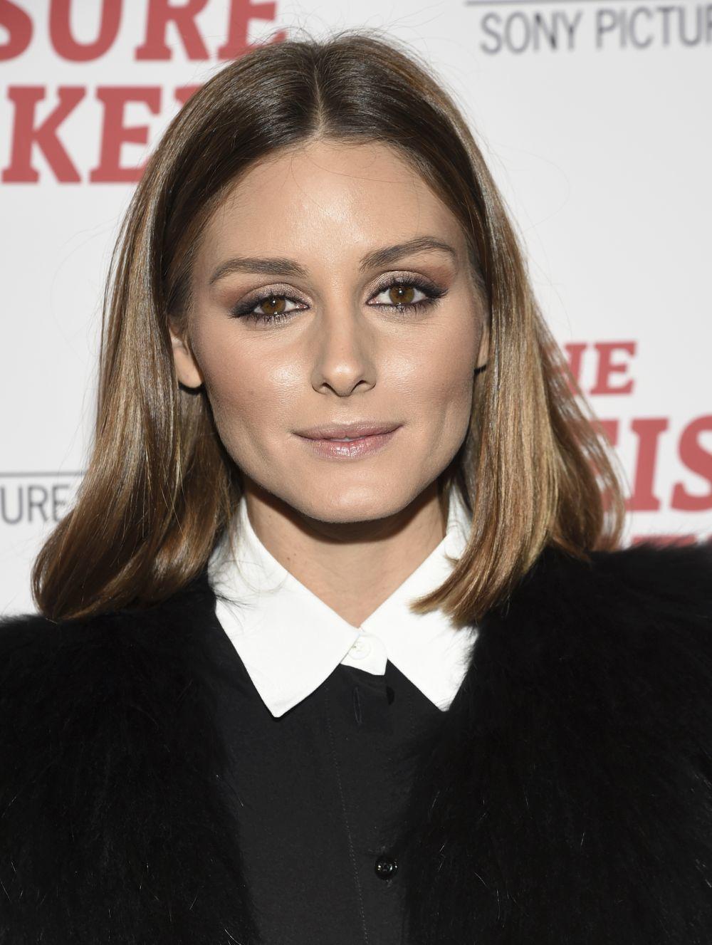 Olivia Palermo luce uno de los castaños más luminosos y de los más...