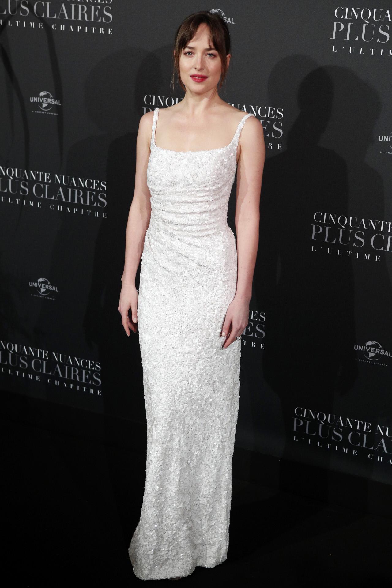 Dakota Johnson en el estreno en París del 50 sombras liberadas con...