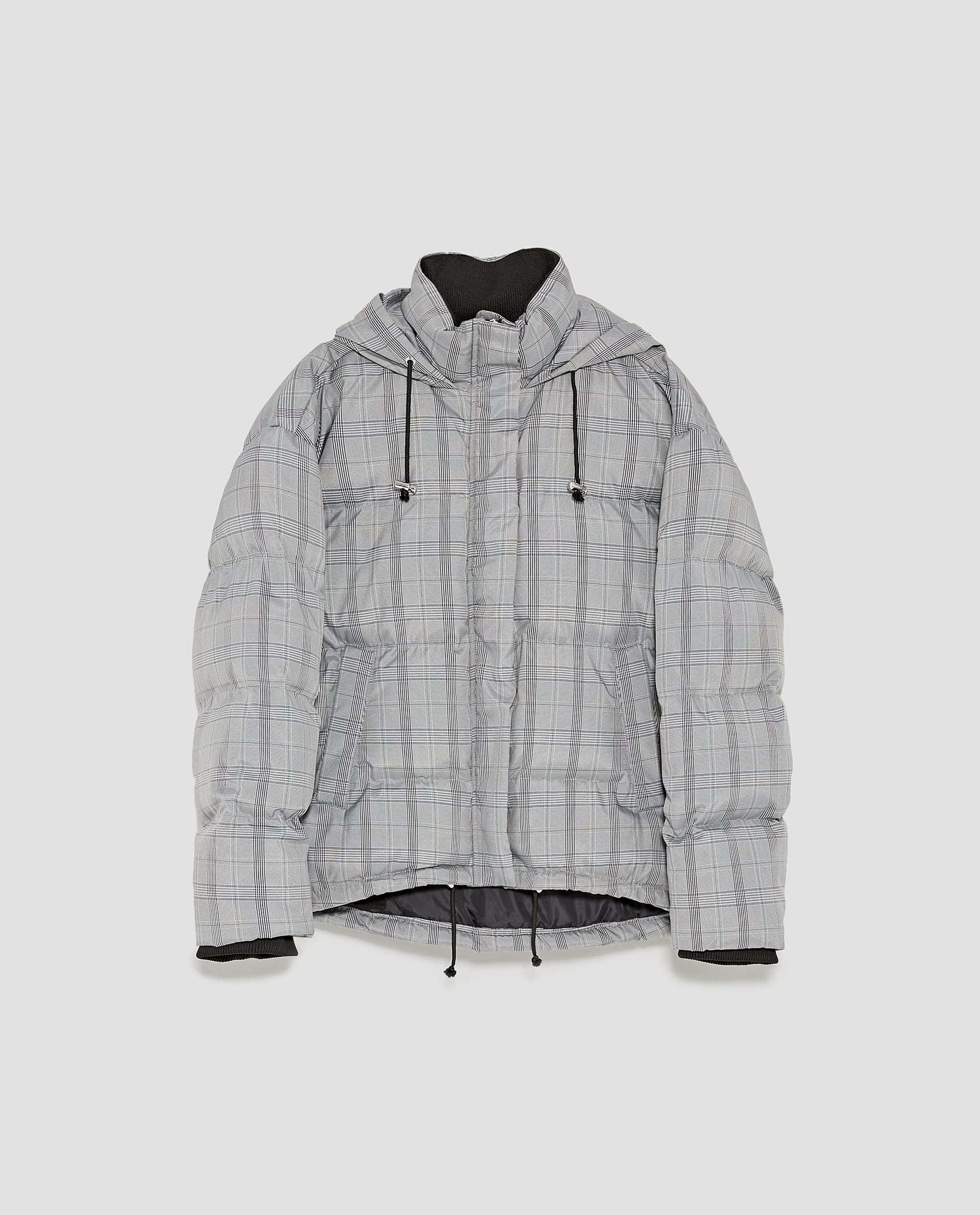 Abrigo acolchado de cuadros Zara (19,99 euros)