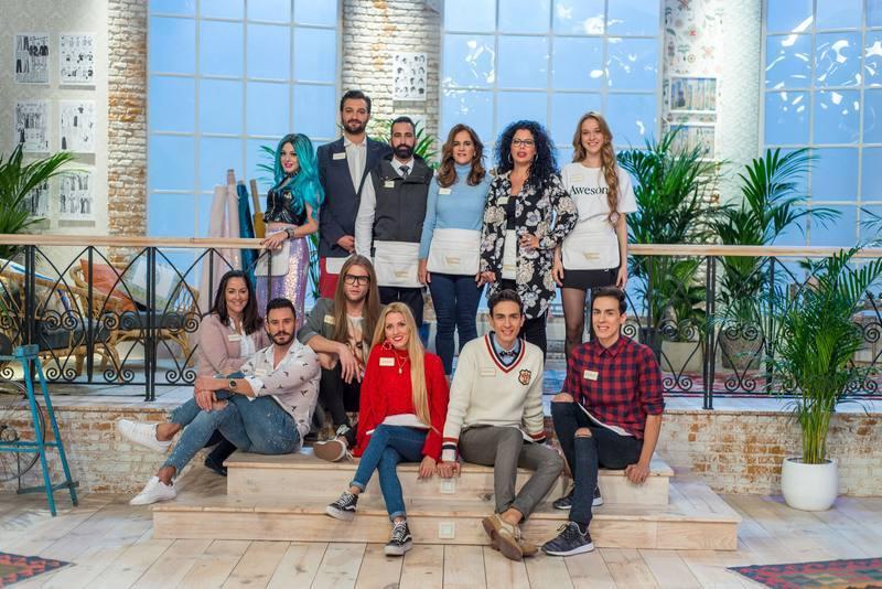 Los doce concursantes del reality show.