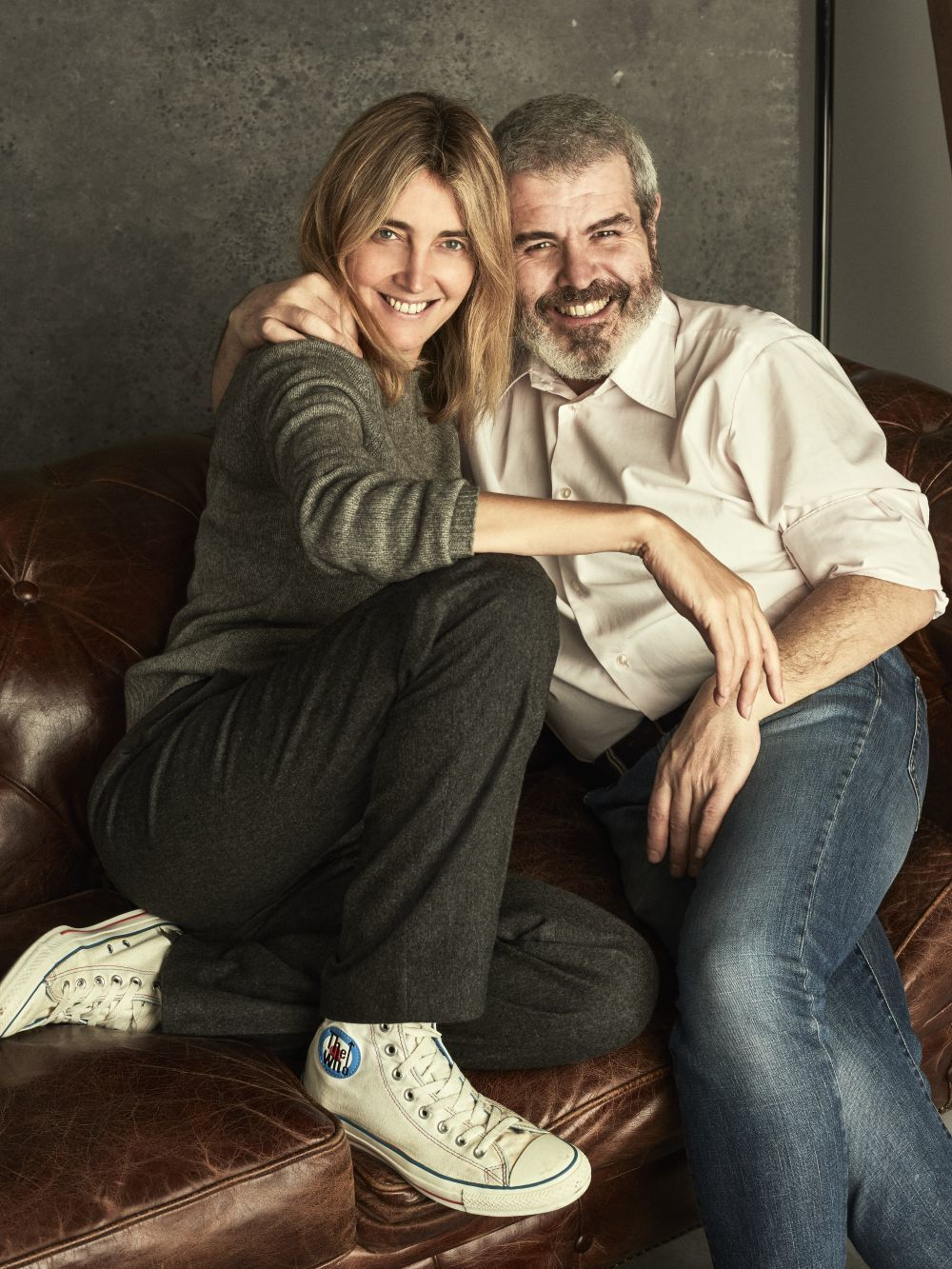 Julia Martínez, jefa de estilistas de TELVA, junto a su amigo Lorenzo...