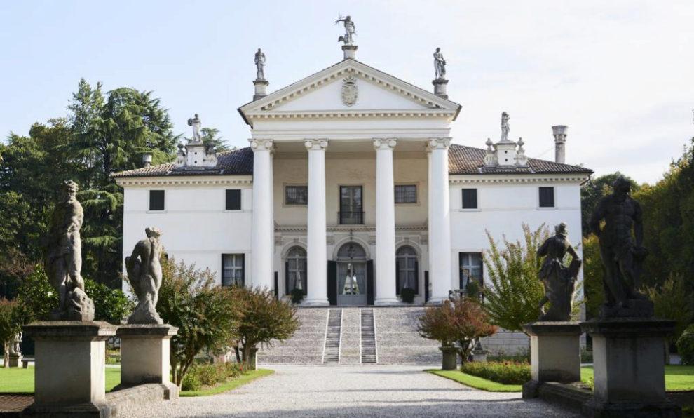 El palacio construido por Andrea di Palladio propiedad de Mario...