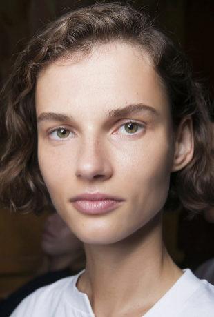 Descubre en 5 sencillos pasos o gestos de belleza cómo lucir una piel...