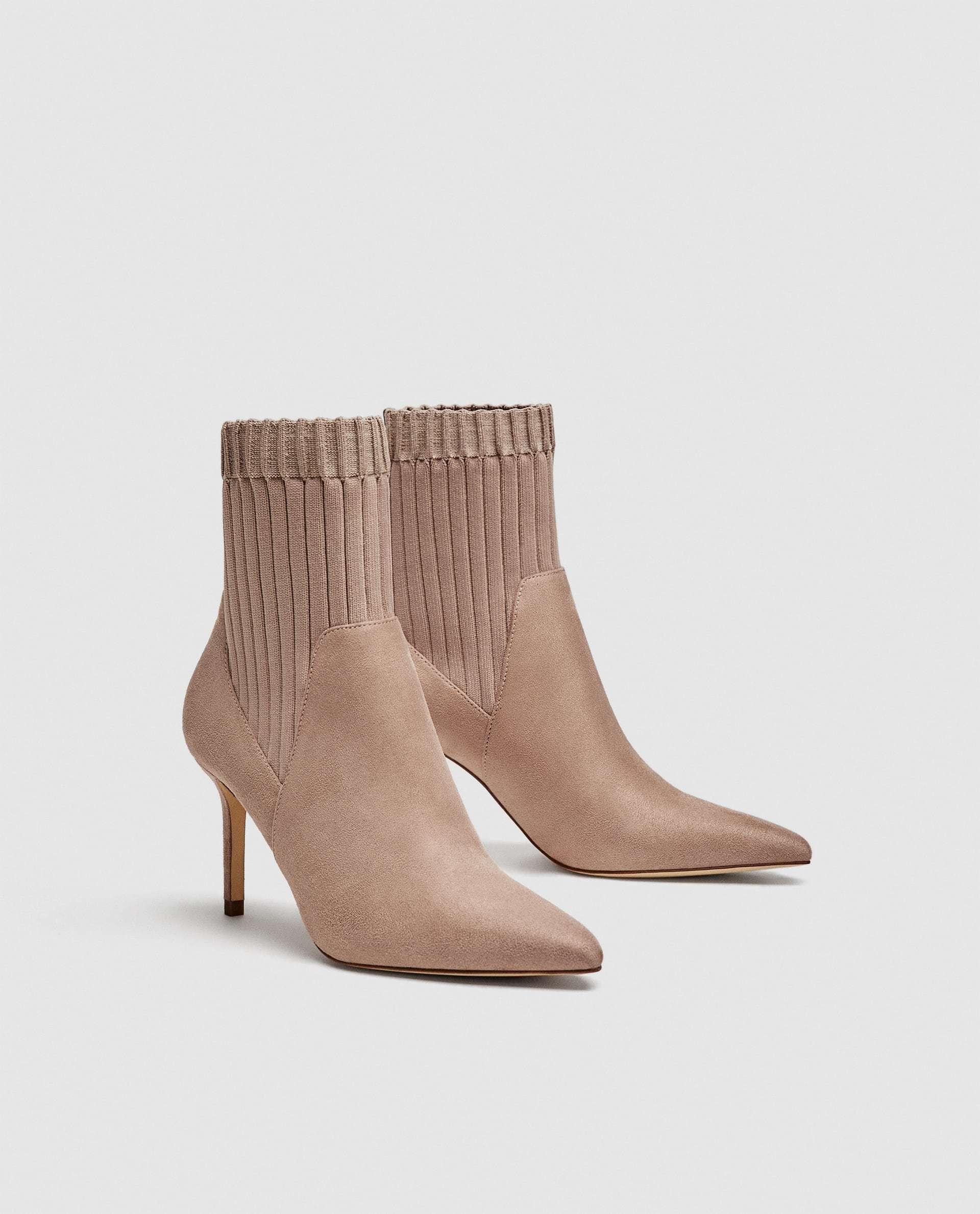 Botín calcetín de Zara (49,95 euros)