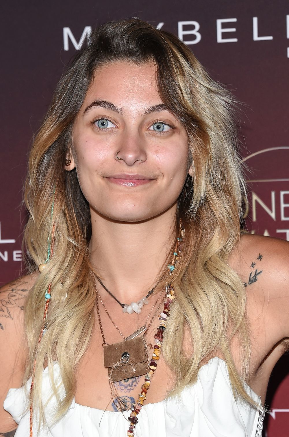 Paris Jackson con un look de lo más natural.