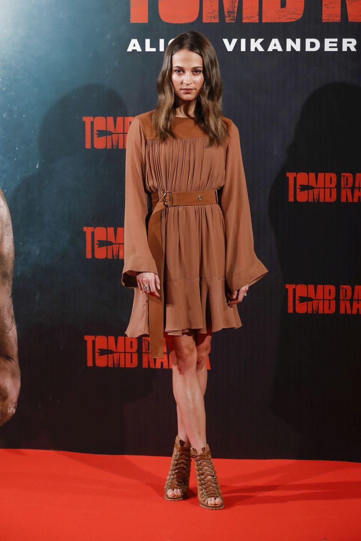 Para el evento de promoción, Vikander escogió un vestido de Chloé.