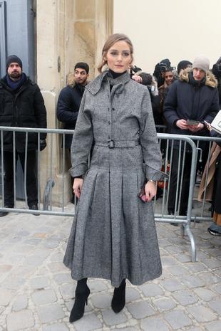 Olivia Palermo en un total look en gris