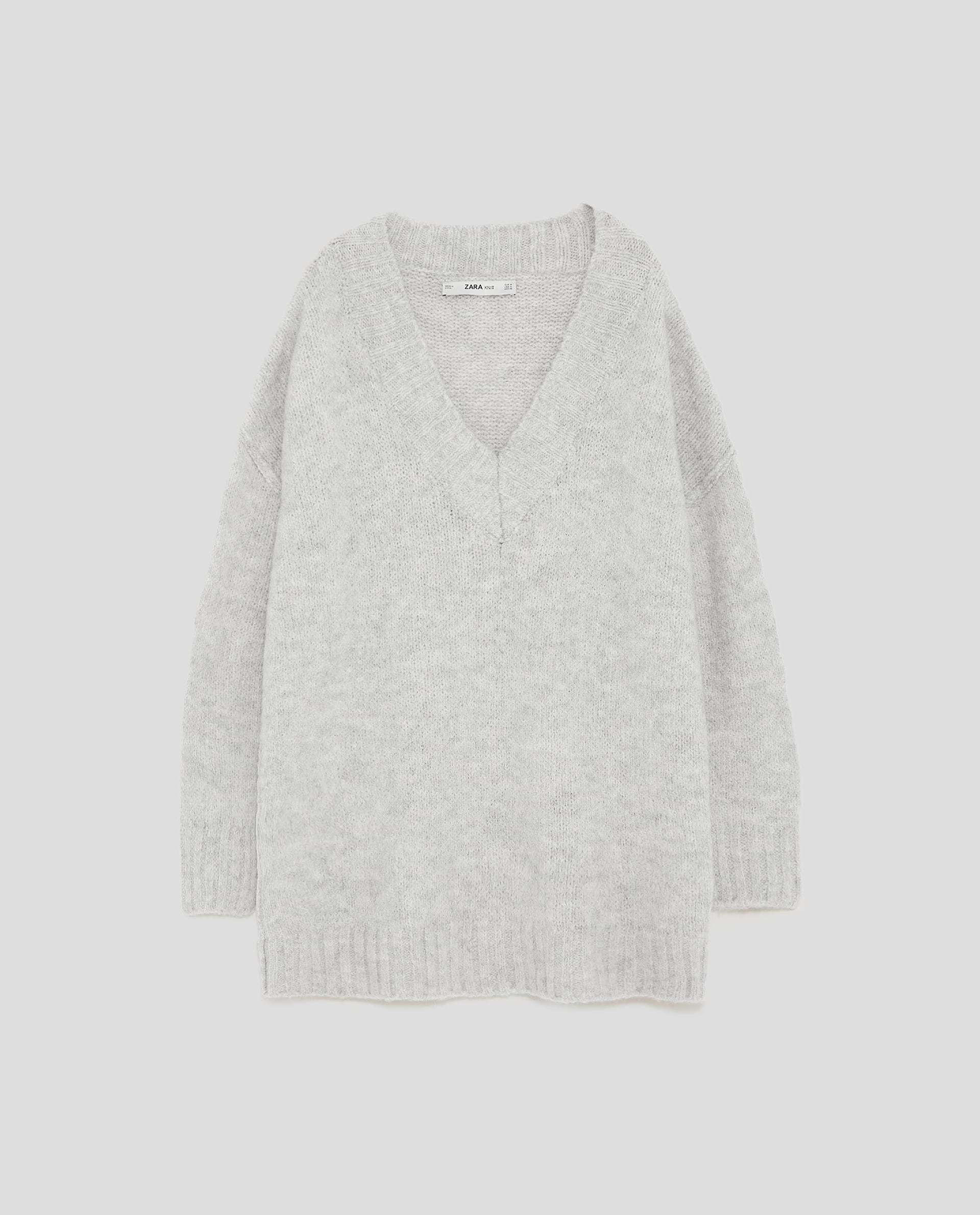 Jersey oversize gris de Zara (29,95 euros)