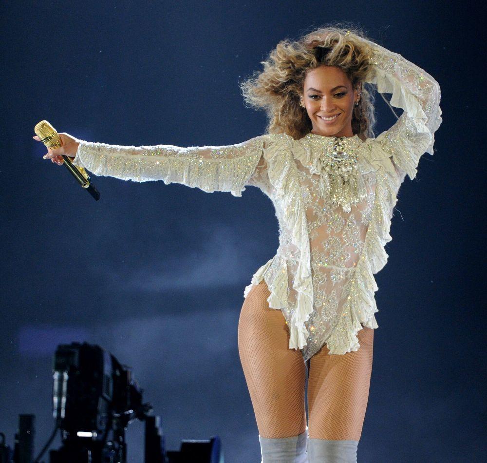 Beyoncé en plena forma sobre los escenarios.