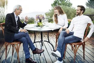 En la imagen, Marc y Aina Clotet junto a su padre, el doctor...