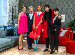 Raquel Sánchez Silva con vestido de Agatha Ruiz de la Prada y calzado...