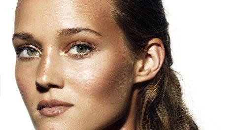 Los 15 mejores iluminadores que transformarán tu rostro