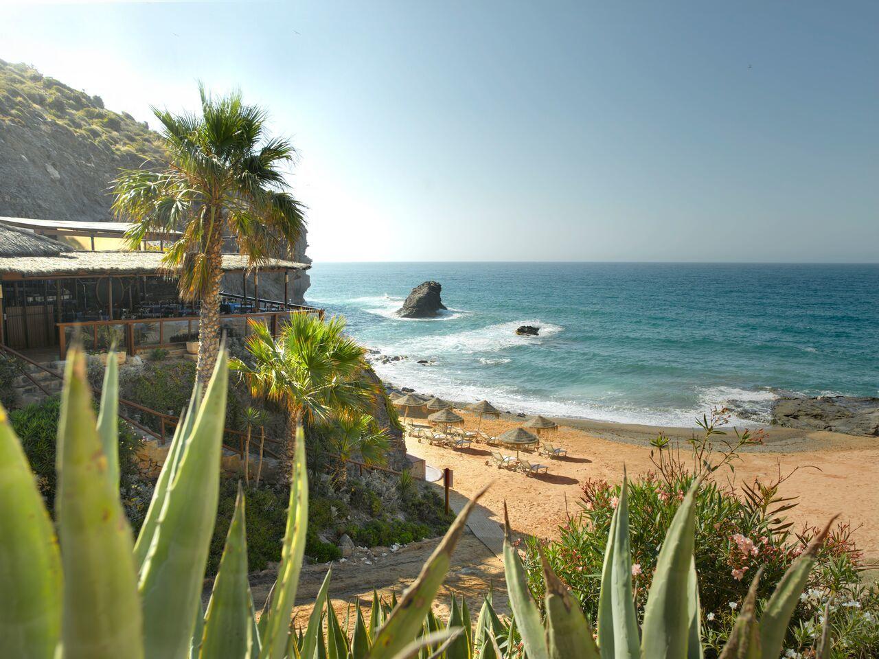 Próximo a la ciudad de Cartagena - declarada de Interés Turístico...