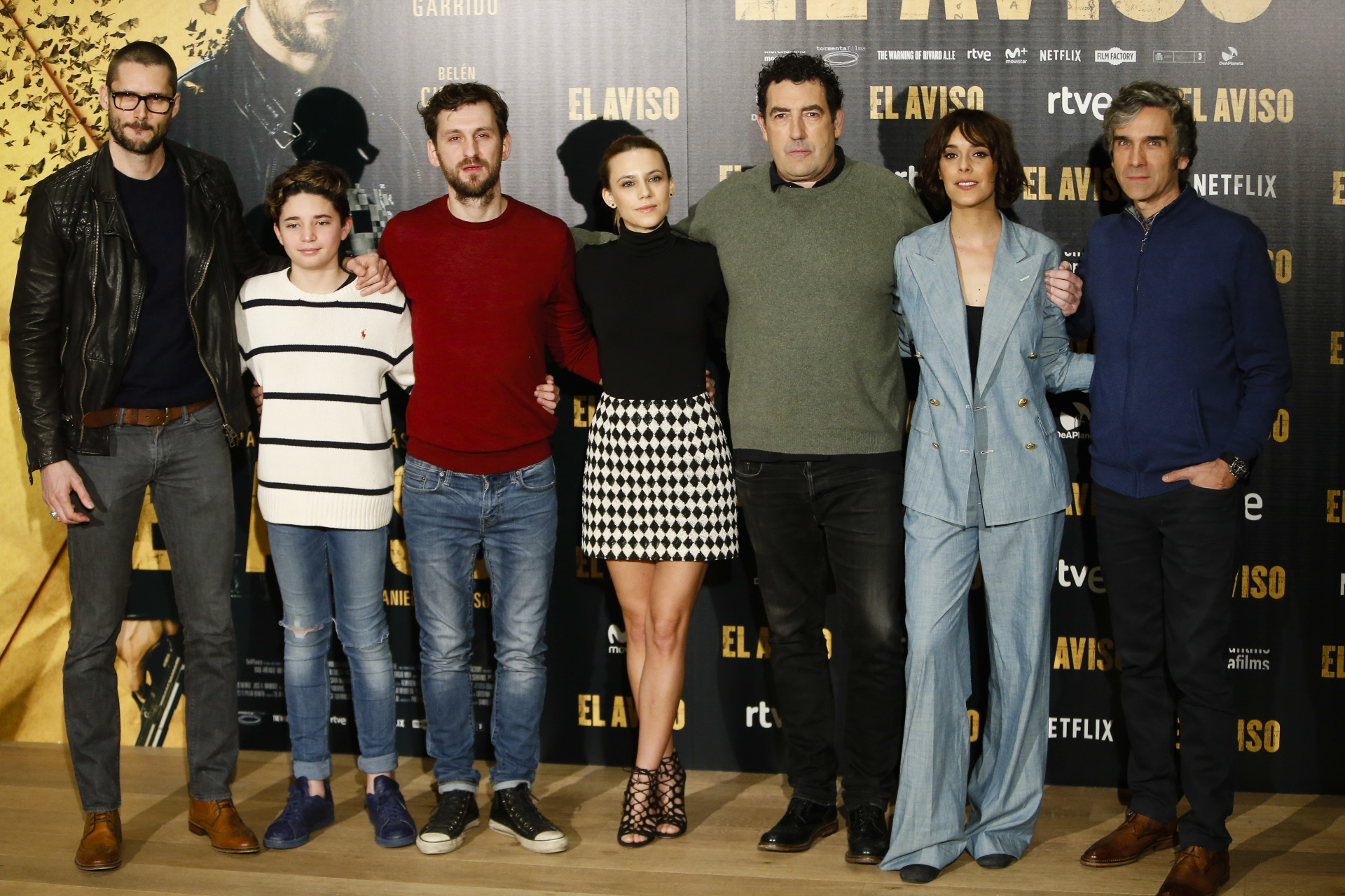 El director Daniel Calparsoro con los actores Belén Cuesta , Aura...