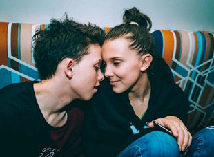 Millie Bobby Brown y Jacob Sartorius.