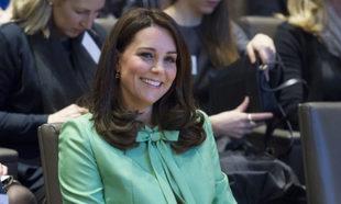 Kate Middleton con abrigo verde menta.