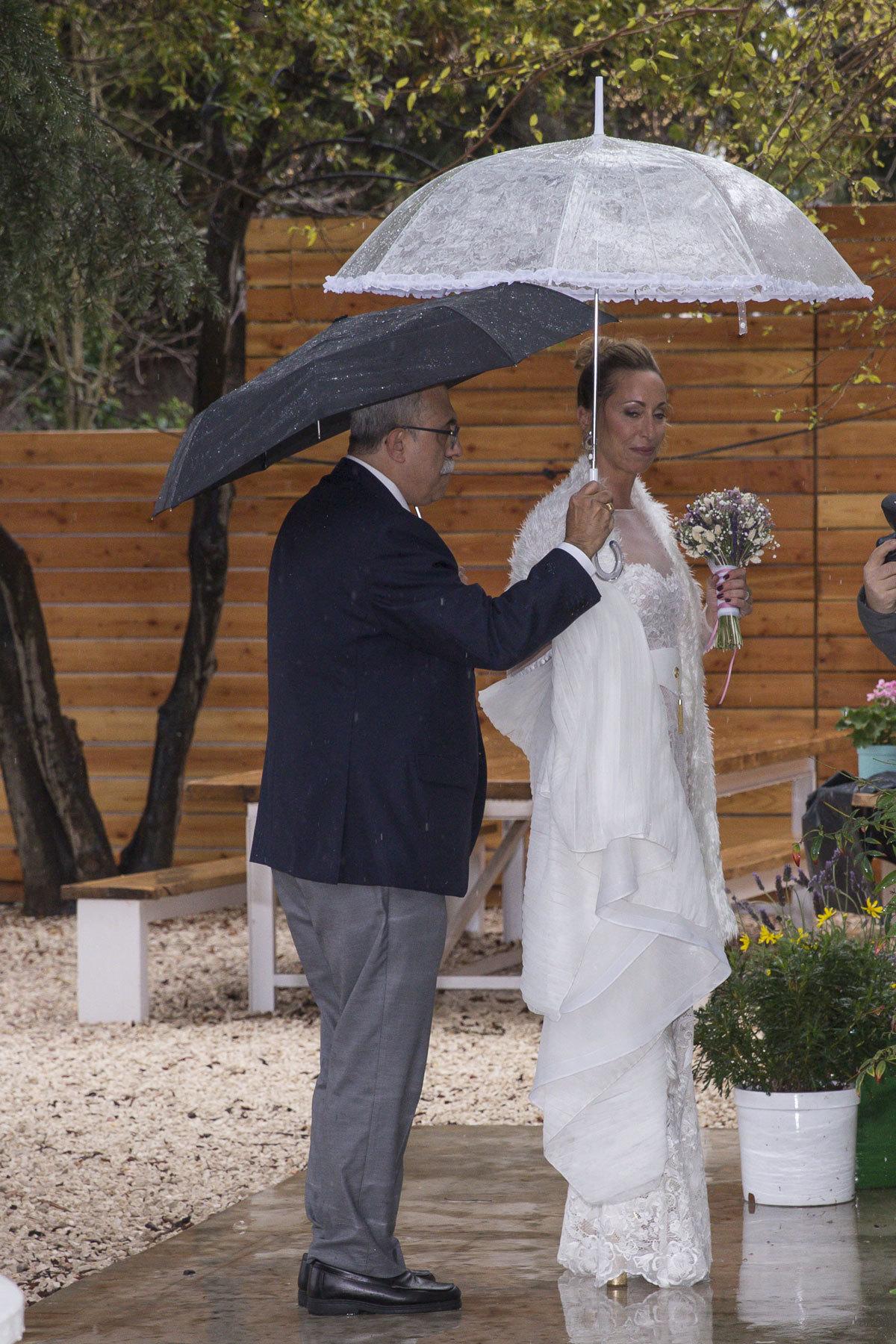 Gemma  Mengual en su boda con Enric Martín.