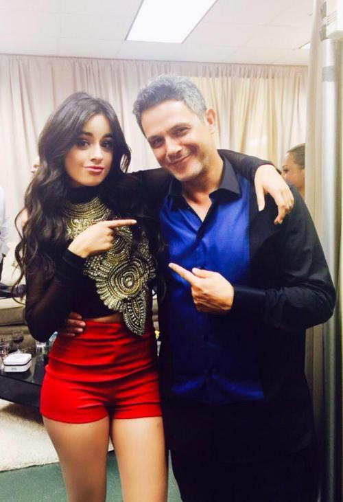 Camila Cabello y Alejandro Sanz