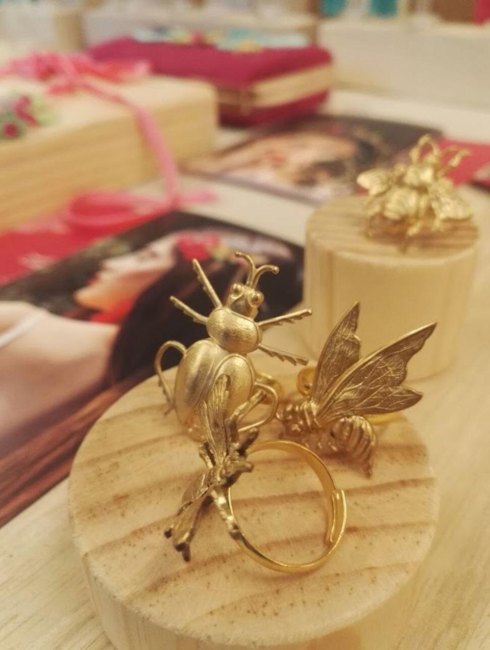 Joyas de insectos de Carolina Orts en Ibiza Bridal Week