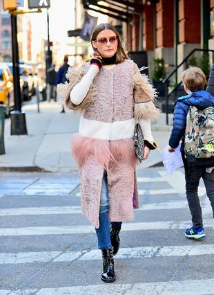 El look de Olivia Palermo en tonos pastel