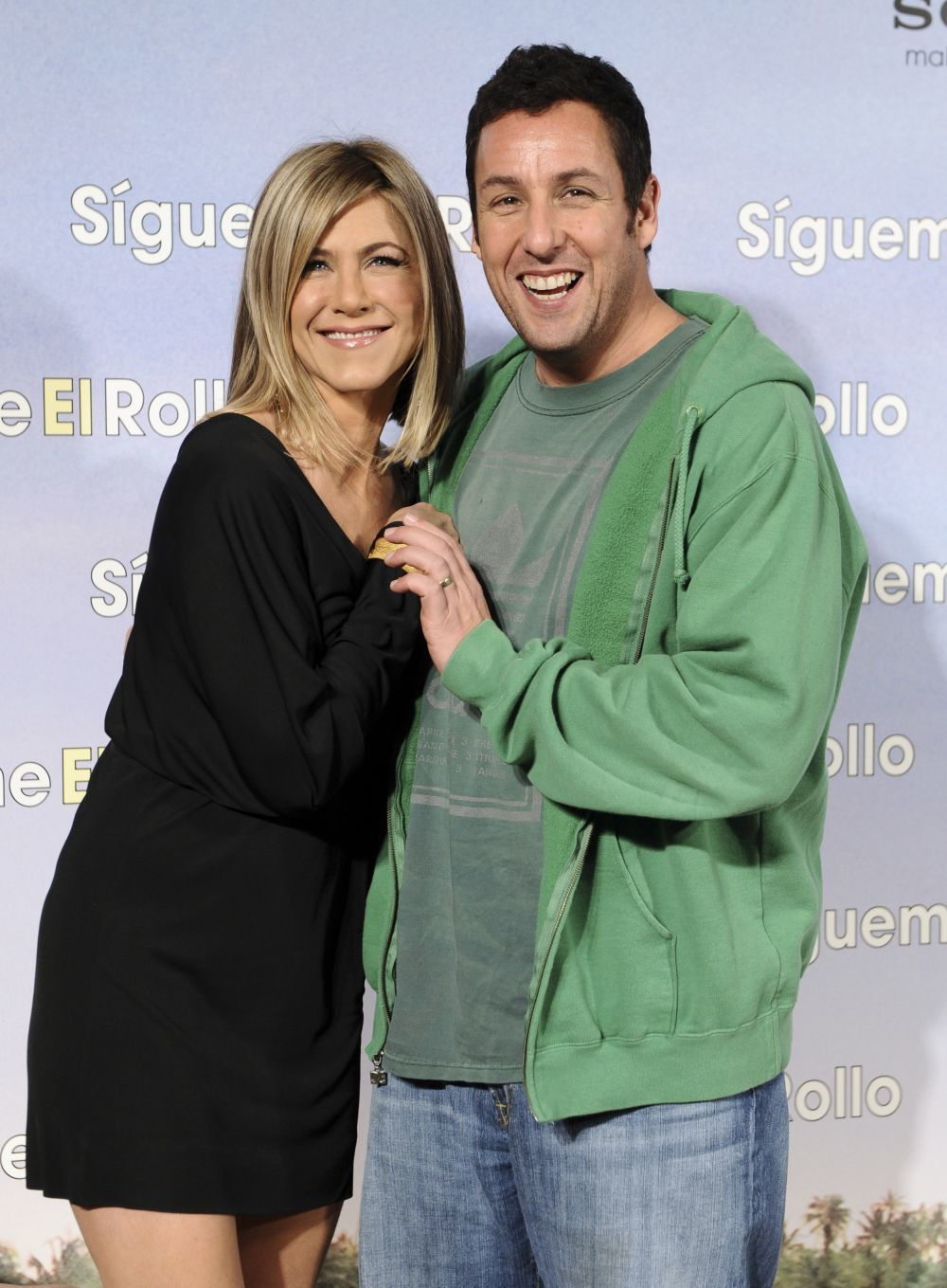 Jennifer Aniston y Adam Sandler.