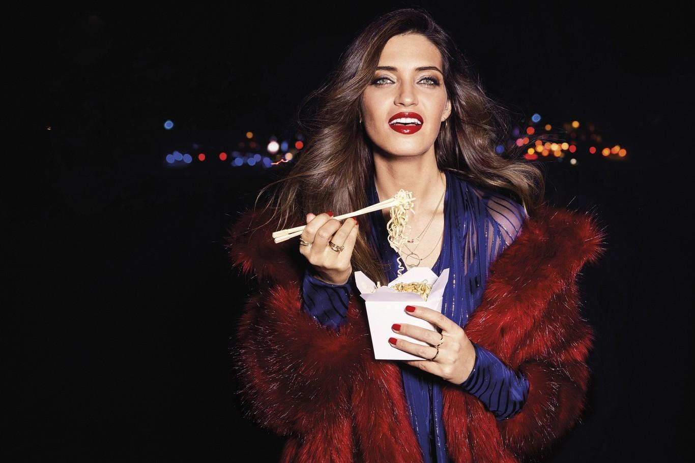 Fotografía de Sara Carbonero como nueva imagen de L'Oréal.