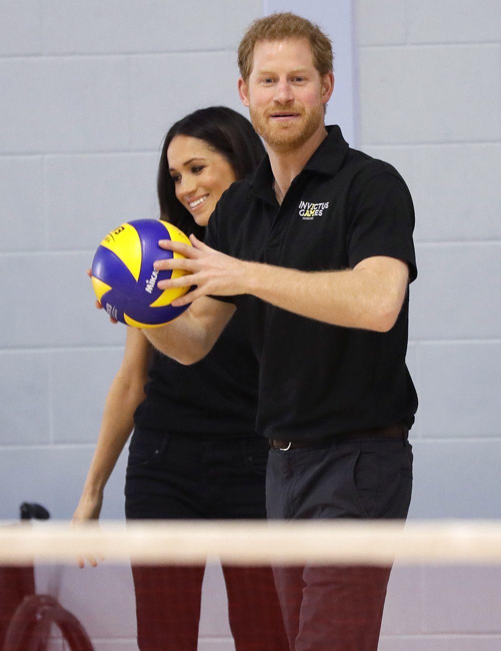 El príncipe Harry jugando al balonmano.