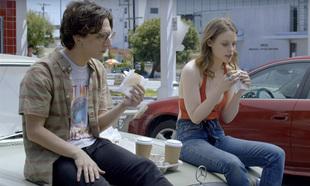 Love está protagonizada por Gillian Jacobs, Rust y Claudia...