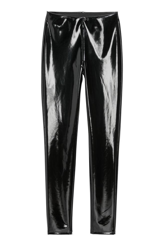 Leggings en piel sintética de H&M (19,99 euros)