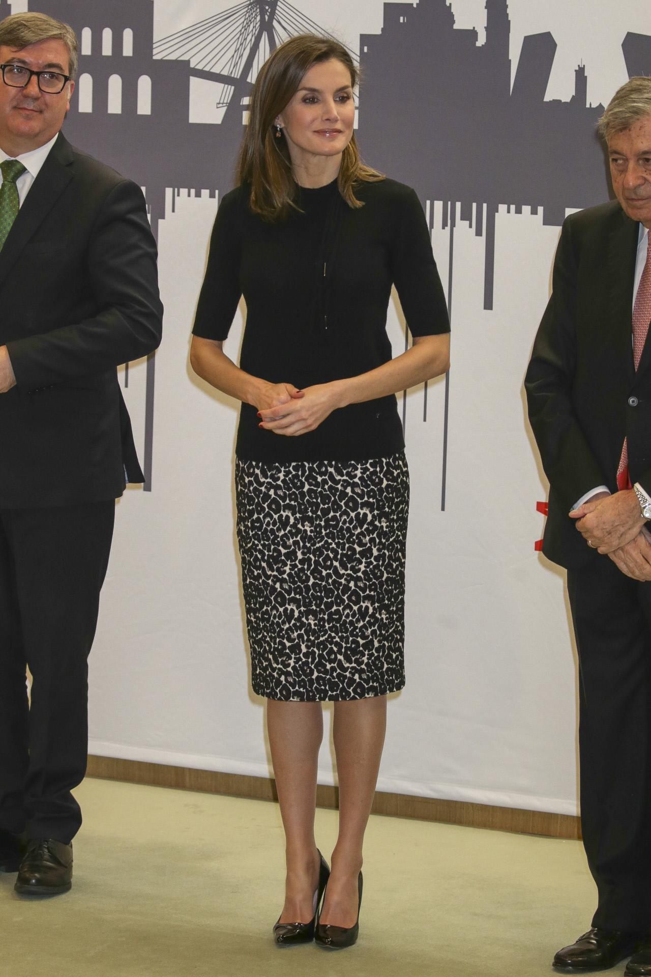 Doña Letizia, el lunes, repitiendo falda de leopardo.